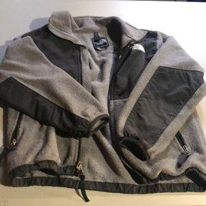 Boys North Face jacket EUC